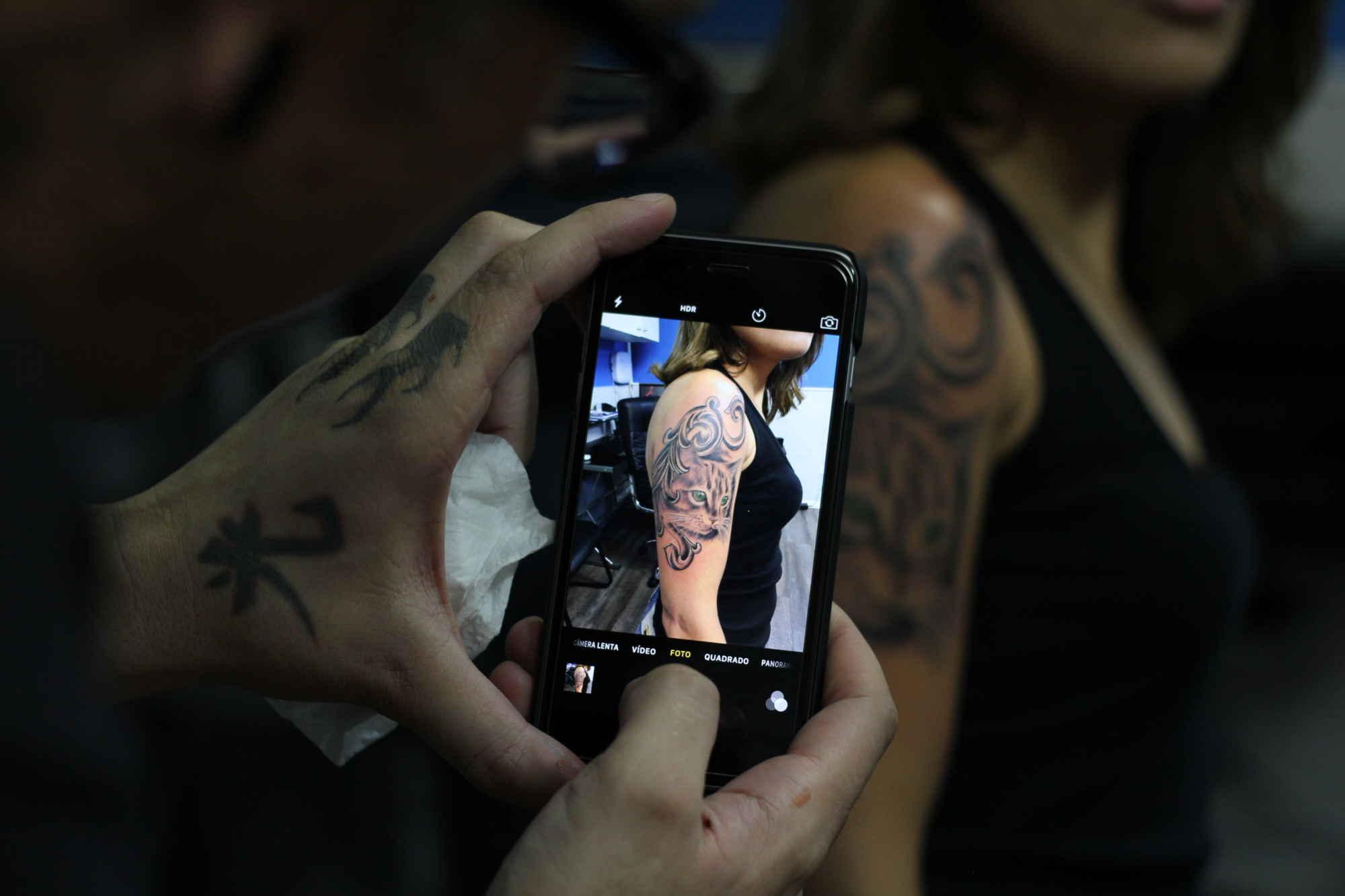 Pesquisa revela comportamento e percepção das pessoas sobre tatuagem