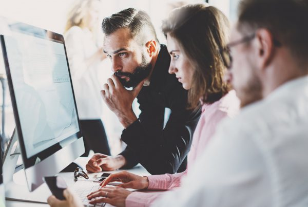 Saiba o que considerar ao contratar uma empresa de pesquisa de mercado